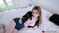 Hot teen with bigtits bends over her ass showin...