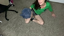 MILF has car trouble and rewards helpful Brothe...