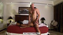 Hidden Cam watches Asian hooker fucked by forei...