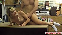 Amatur blonde pet lover gives a blowjob and get...
