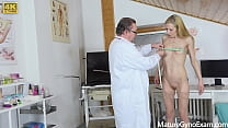 Senior cunt examination of hot mature lady Gwen...