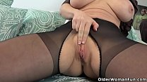 Brunette milf Stacy from the USA shows off her ...