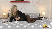 Busty MILF in pantyhose masturbate and play wit...