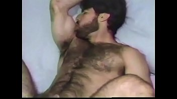 Poilue sexy baise gay