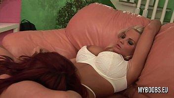 sexy lingerie lesben big tits