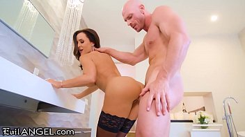 Watch Lisa Ann is BACK to Fuck_Hung Stud Johnny Sins! preview