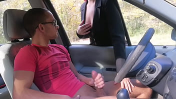 I masturbate in a public place ... This woman surprised me with what she did afterwards ..