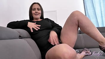 Big Tit MILF Brandii shows off her Hairy Pussy and gives JOI