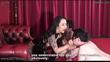 Dominatrix Youko Pulls Masochist Slaves Nipples