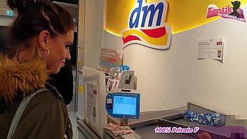 Öffentlicher Spermawalk im Kaufhauf mit deutschen schlampen