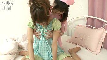 2 lesbianas masaje erotico la pasiente se calienta mucho