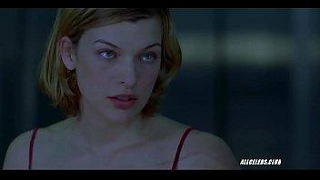 Milla Jovovich in Resident Evil 2002