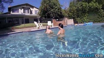 Party Lesbisch Pool Amateur Amateur Pornofilme