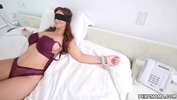 Syren De Mer blindfolded while giving a blowjob