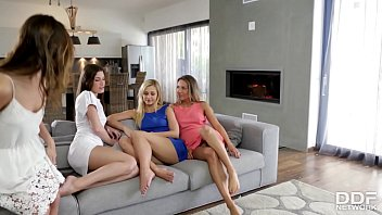 Cazy Sexy Lesbian foursome with Tracy Lindsay & Friends