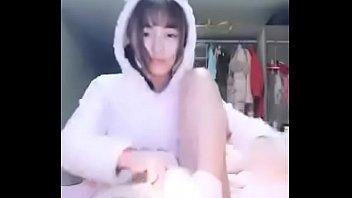 果哥白金版视频~酒店约啪抖音妹~衣服脱下来原来胸器那么大!!