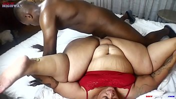 Ssbbw Strawberry delight cums back to BBWHIGHWAY