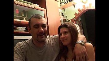 Una vera coppia scambista fa sesso per la prima volta davanti alle telecamere!!!