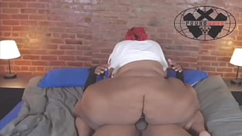 Huge booty Newbie Takes On a Huge BBC