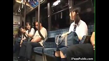 Lecole de japonais fille se...