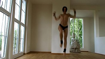 Paingate star and bdsm porn model Alex Zothberg aerobic training wearing just pants Thumbnail