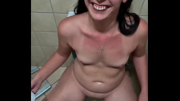 Pisswhore pissing with her bf and sucking his dick