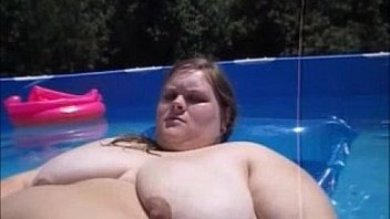 husband Record Wife Naked Playing With Her Pussy In Pool