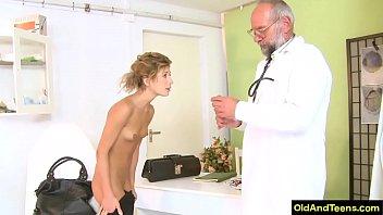 Old doctor have sex during medical test