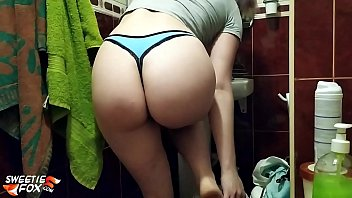 Girl Suck Dick Step-Brother in the Shower - Сum on Face