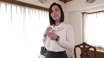 女性向けエステサロンで働く現役のエステティシャン、高梨麻子さん40歳。結婚10年目、一児の母。