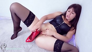 Cute Girl Heels Licking and Shoe Fucking Pussy -  Heelfetish FIRST TIME