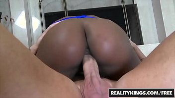 Watch Hot realitykings layla monroe mi sitting pretty round and brown » Realitykings - booty preview