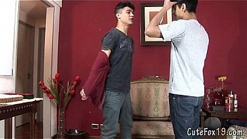 Foxy lad kisses and blows his gay mate