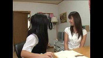 制服を着てる10代校生が慣れない生フェラで可愛い顔が大量精子まみれのロリ系動画