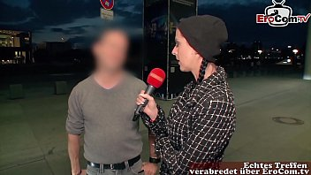 Frau schleppt mann ab beim public Sex casting