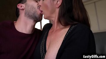 Hot granny Mariana gets a hard pussy fucking from a young fresh stud
