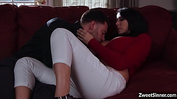 Hot MILF uses her charm and fucks with a horny cop