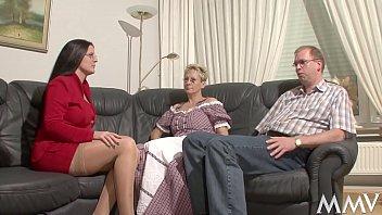 Ein dreier mit der Nanny, da hebt sich Martins Stengel