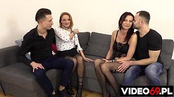 Darmowe filmy erotyczne - Idealna randka dla swingersów - występuje Izabella Lis i Sara