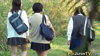 Highschool asians urinate