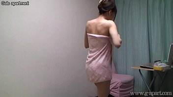 Umi Hinata Peeping Shower in bathroom