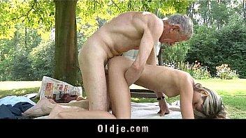 """{""""code"""":200,""""lang"""":""""af-de"""",""""text"""":[""""Oldman fickt nasty skinny blond..."""