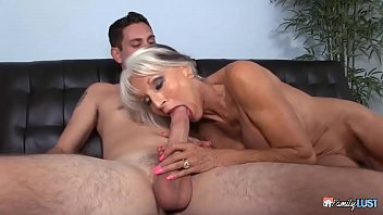 Old MILF seduces her