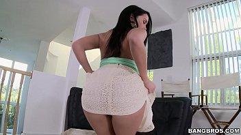 BANGBROS - Teen Megan Rain Loves Gets Her Big Ass Split By Jordan Ash