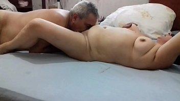 Matrimonios maduros buscando jovencitas para tener sexo peliculas porno Esposos Maduros Search Xnxx Com