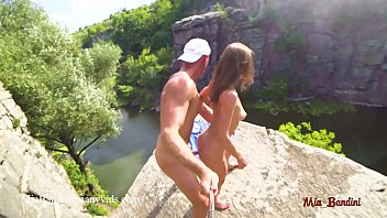 WILD PUBLIC SEX ON A HIGH CLIFF IN CANYON. HORNY AMATEUR COUPLE, CUM IN MOUTH, BLOWJOB, FITNESS GIRL, COLLEGE TEEN