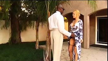 Black man with a huge rod stretches the tight pussy of nasty white housewife Sunny Day