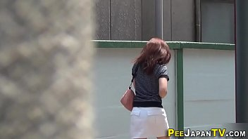 Watched asian cuties pee
