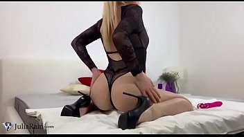 Cute Teen Play Pussy Sex Toys and Female Orgasm Before Sex