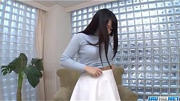Kokona Sakurai loves posing while masturbating